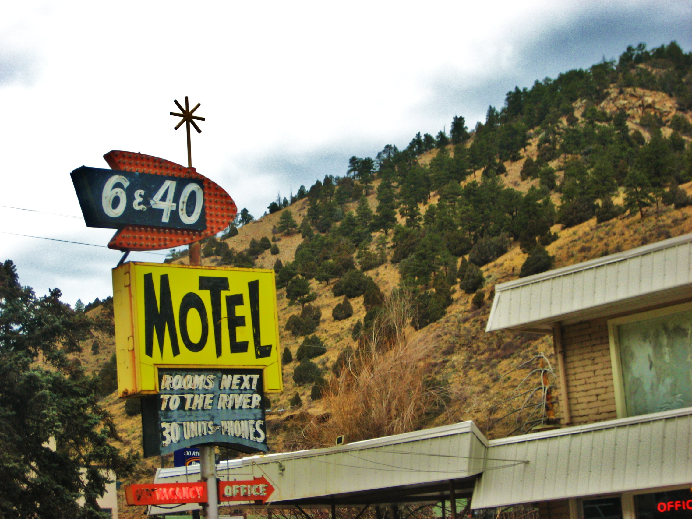 File 6 40 Motel Sign Idaho Springs Jpg