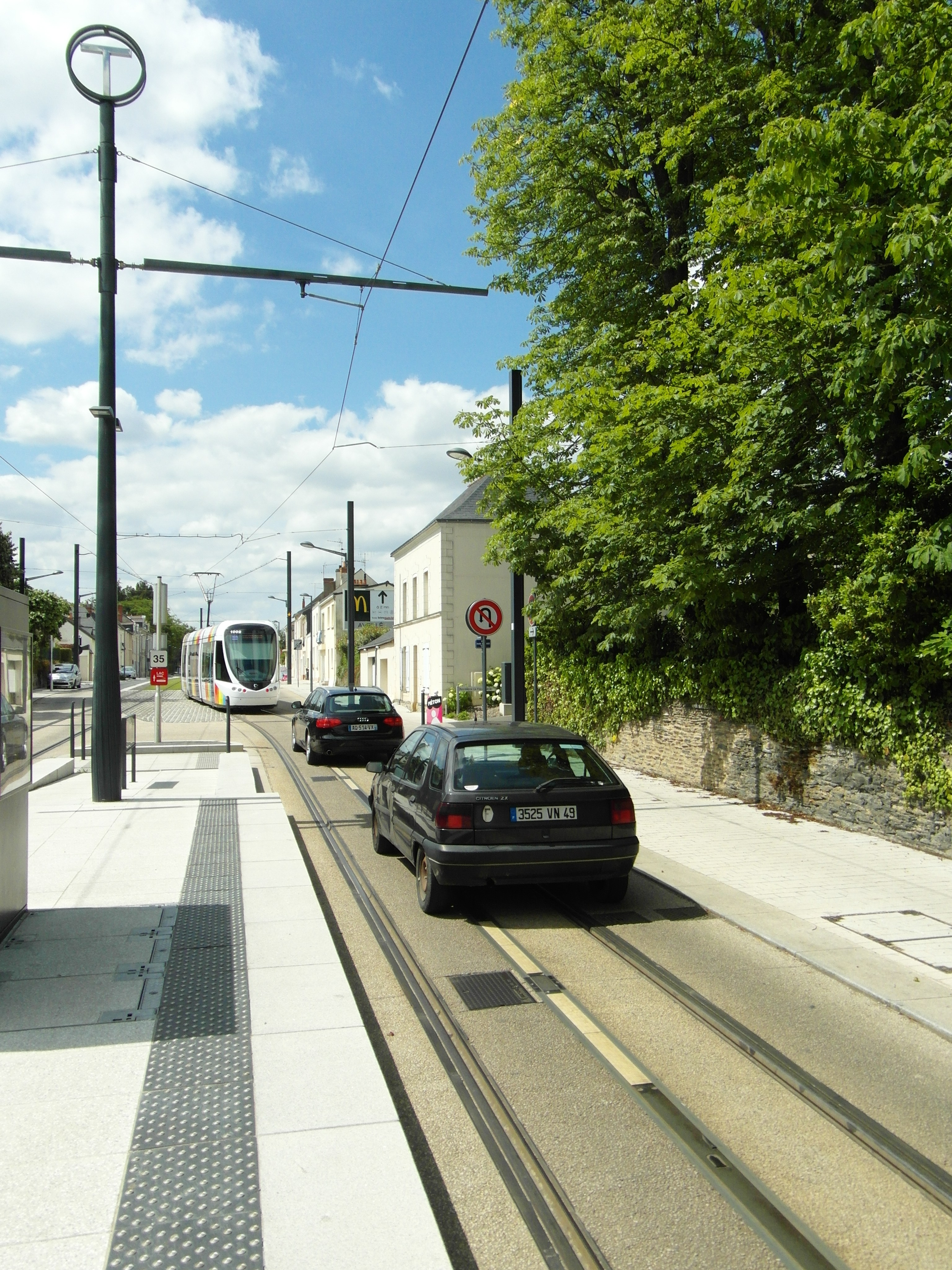 Extension du tramway du Havre Angers_-_Tramway_-_Avrill%C3%A9_(7663540330)