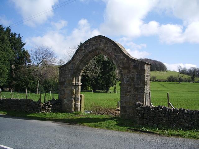 Arch, Sawley Abbey - geograph.org.uk - 759825