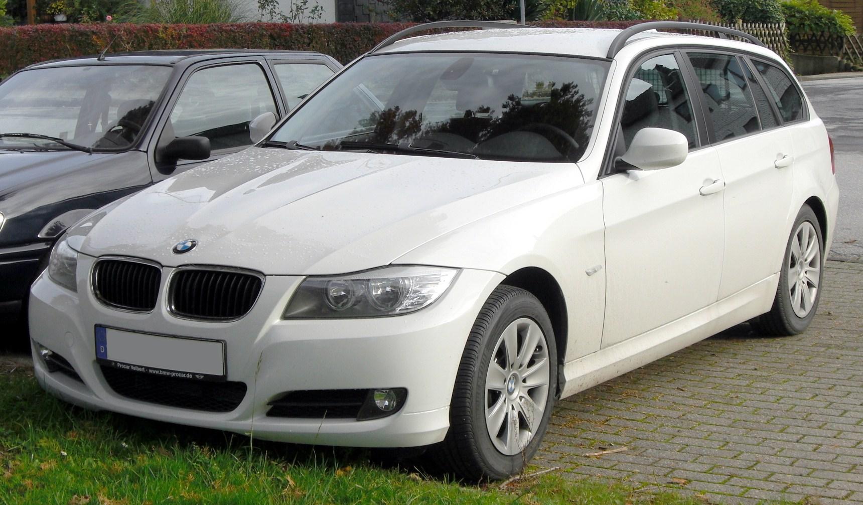 Bmw E90 Wiki >> File:BMW 318i Touring (E91, seit 2008) front MJ.JPG - Wikimedia Commons