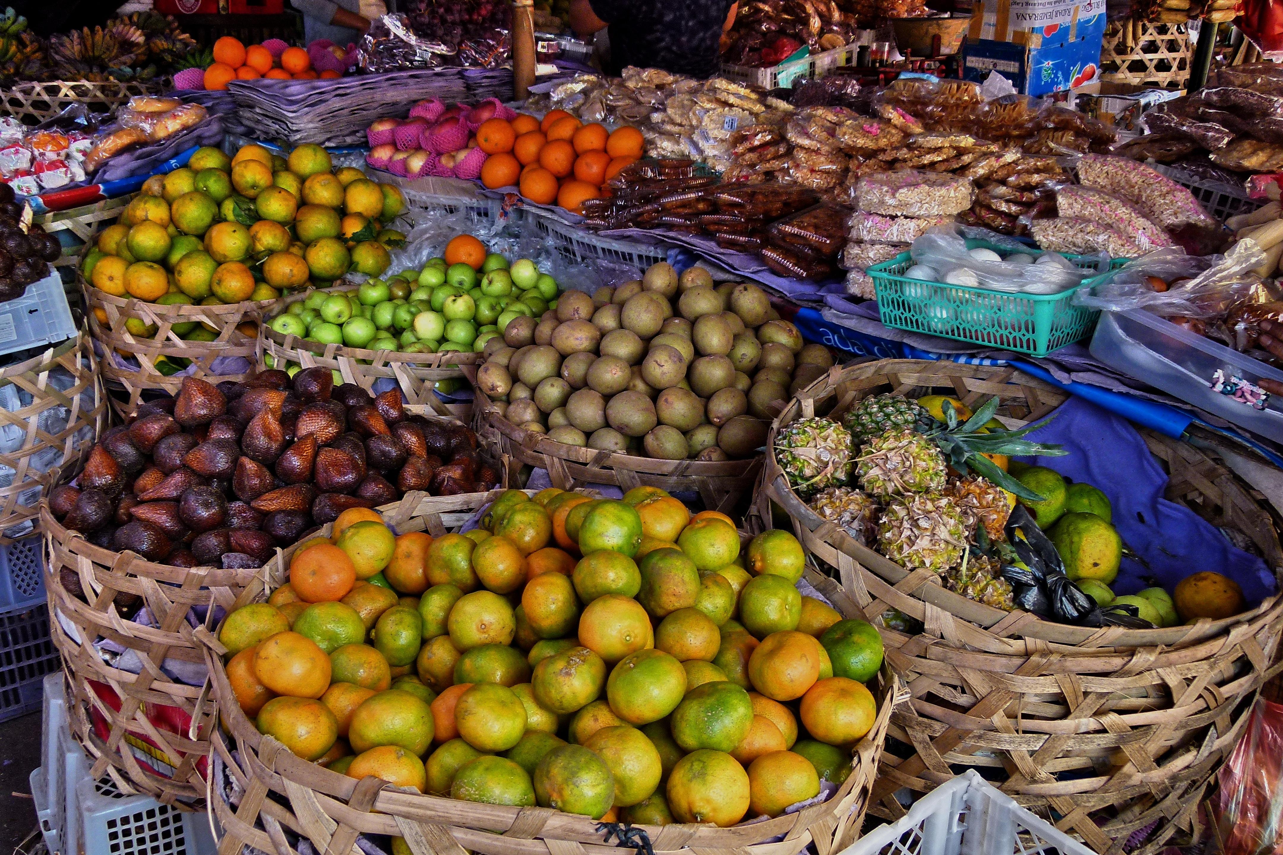 Hasil gambar untuk Fruits Markets bali