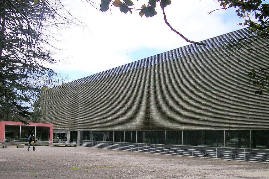 Biblioteca Almeida Garret - Porto