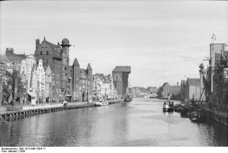 Bundesarchiv Bild 101II-MN-1594-11, Danzig, Die Mottlau mit dem Krantor