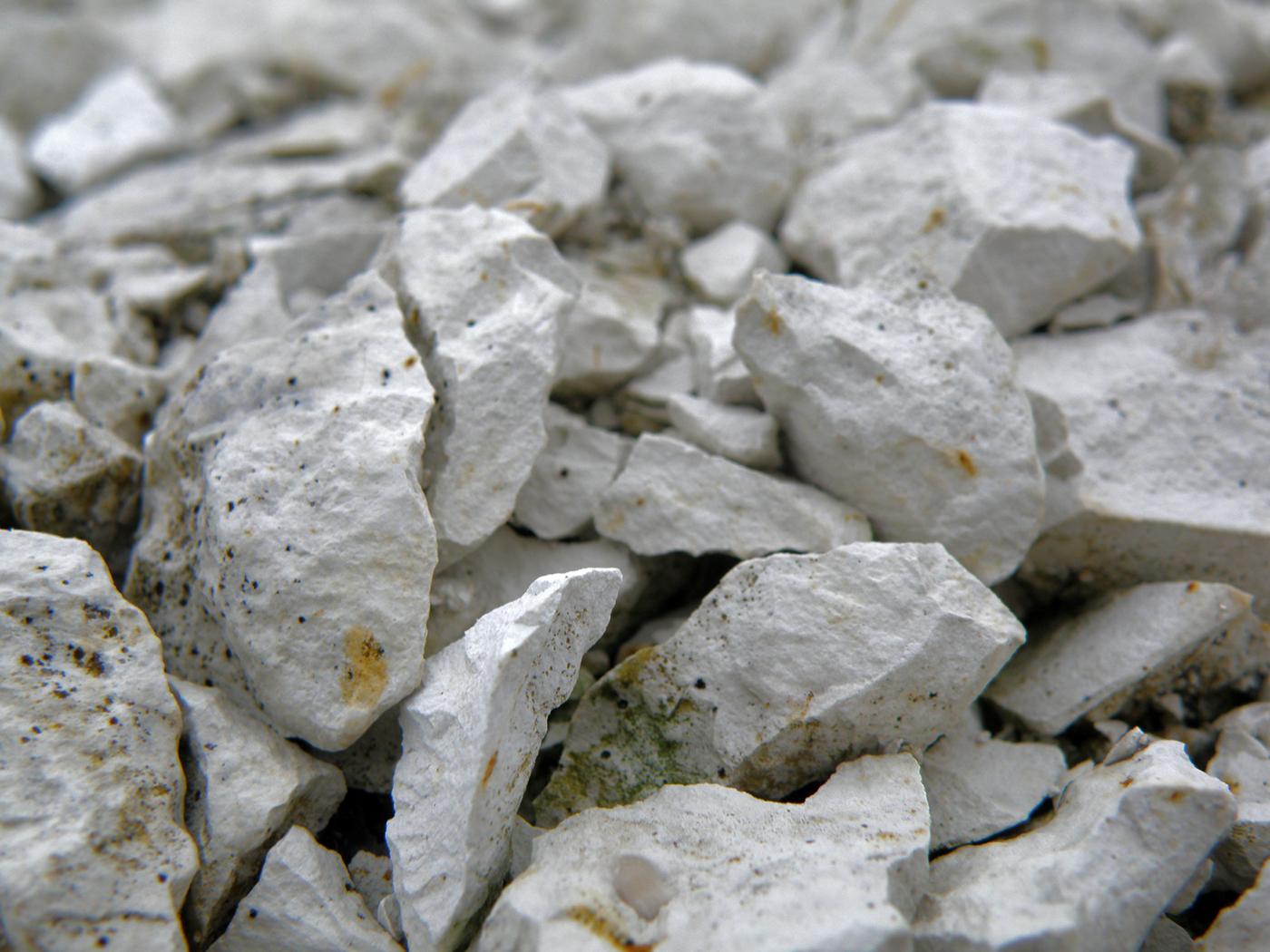 белый цвет в залежах мела
