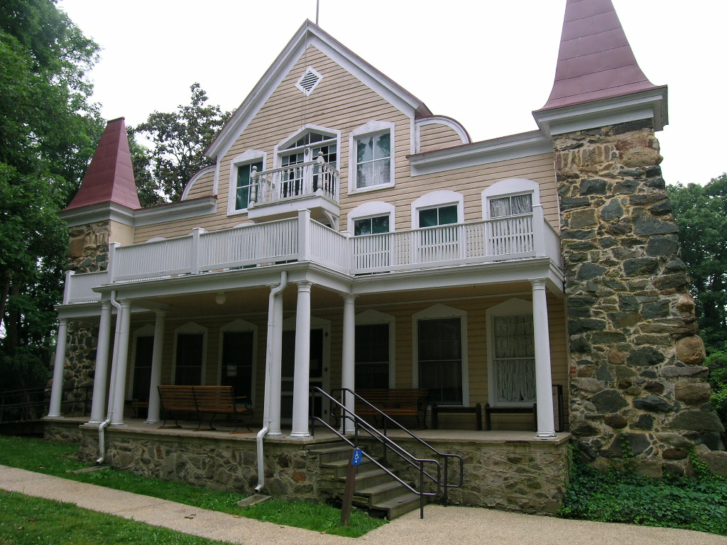 File clara barton house exterior 21439761458 jpg for Clara house