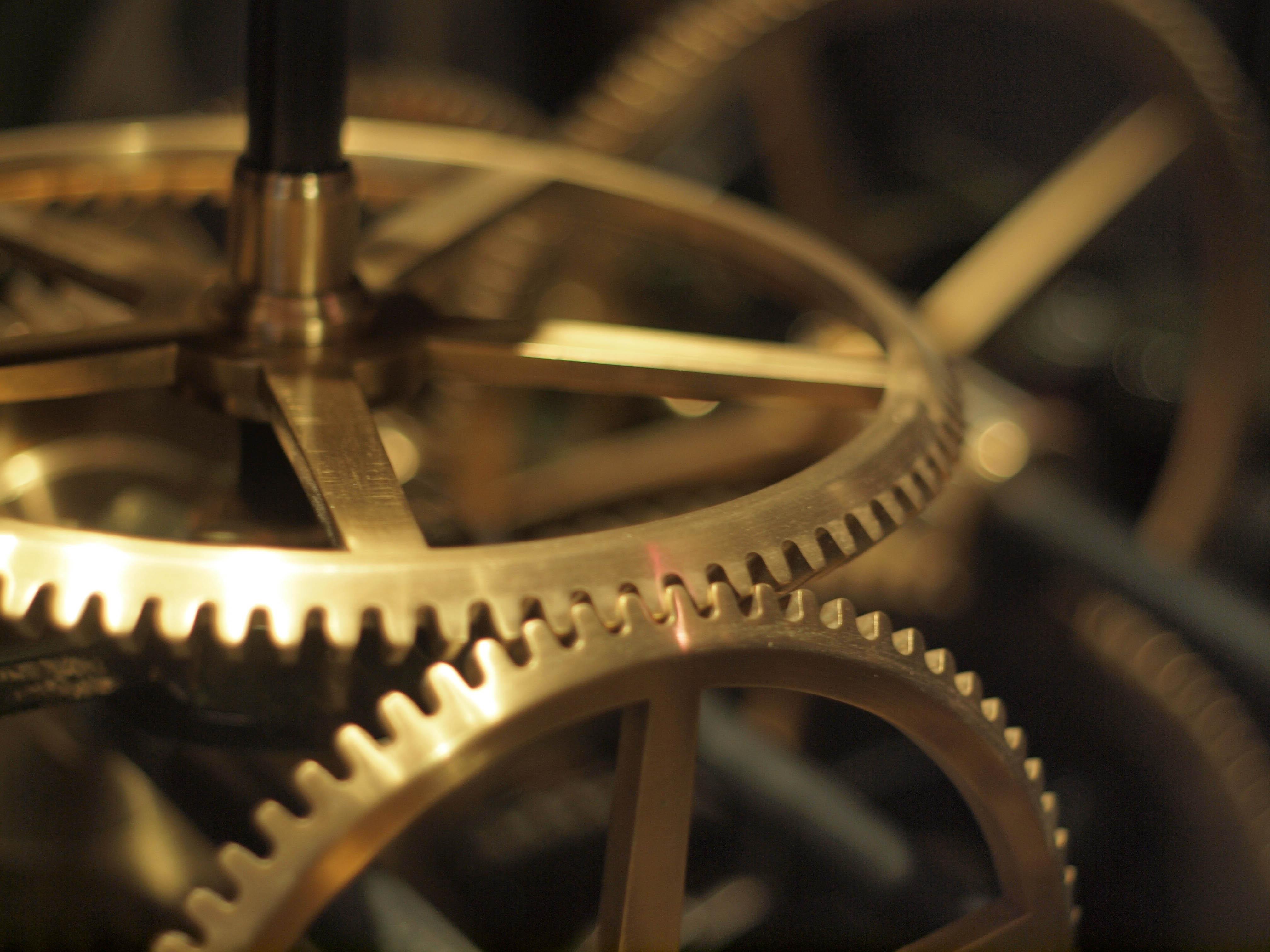 File:Clock Cogs.jpg - Wikimedia Commons