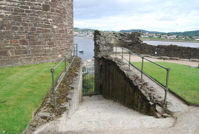 File:Conwy Castle - Steps to the Water Gate, Inner Ward - geograph.org.uk - 1481595.jpg