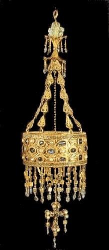Вотивная корона короля Реккесвинта из клада в Гуарразаре. Национальный археологический музей Испании