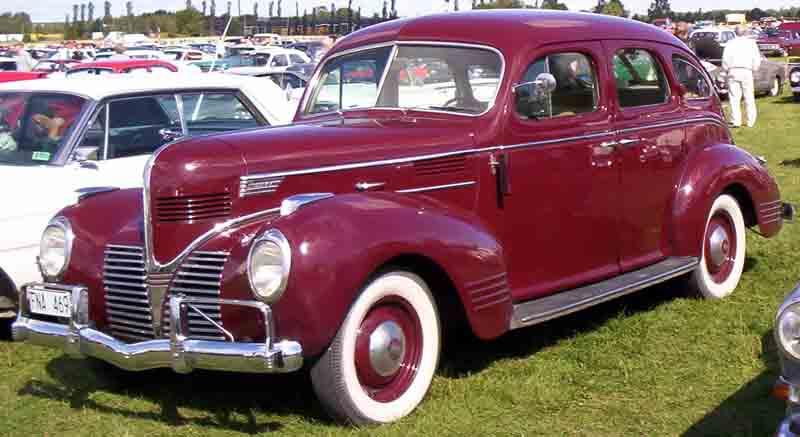 Dodge luxury liner wikipedia for 1940 dodge 2 door sedan