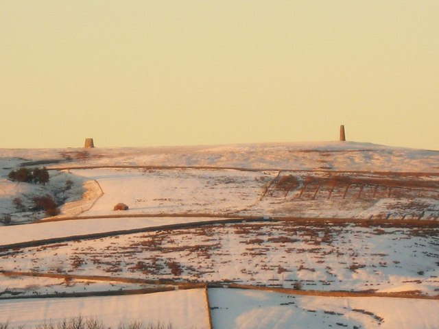File:Early morning sunlight on the Allendale lead smelting flue chimneys - geograph.org.uk - 1080858.jpg