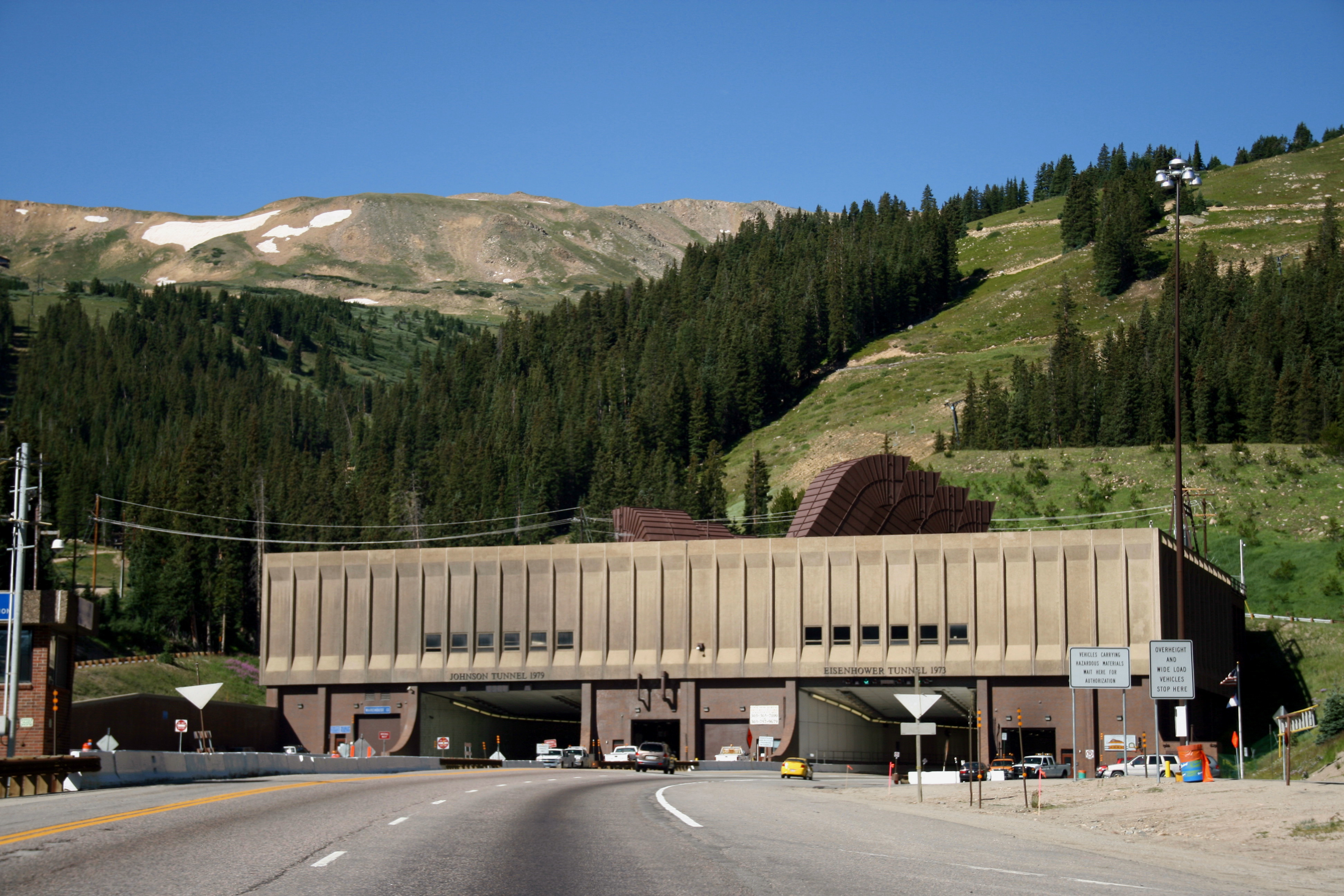 Eisenhower tunnel entrance