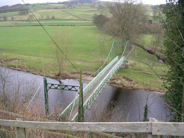 Footbridge over the River Wharfe - Bark Lane - geograph.org.uk - 1186192