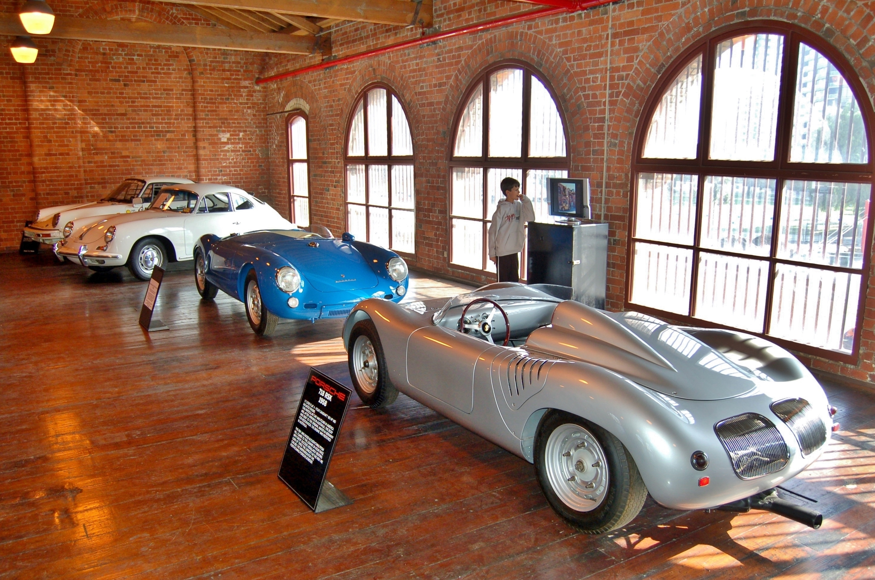 File:Fox Classic Car Collection, 2008 (06).JPG - Wikimedia Commons