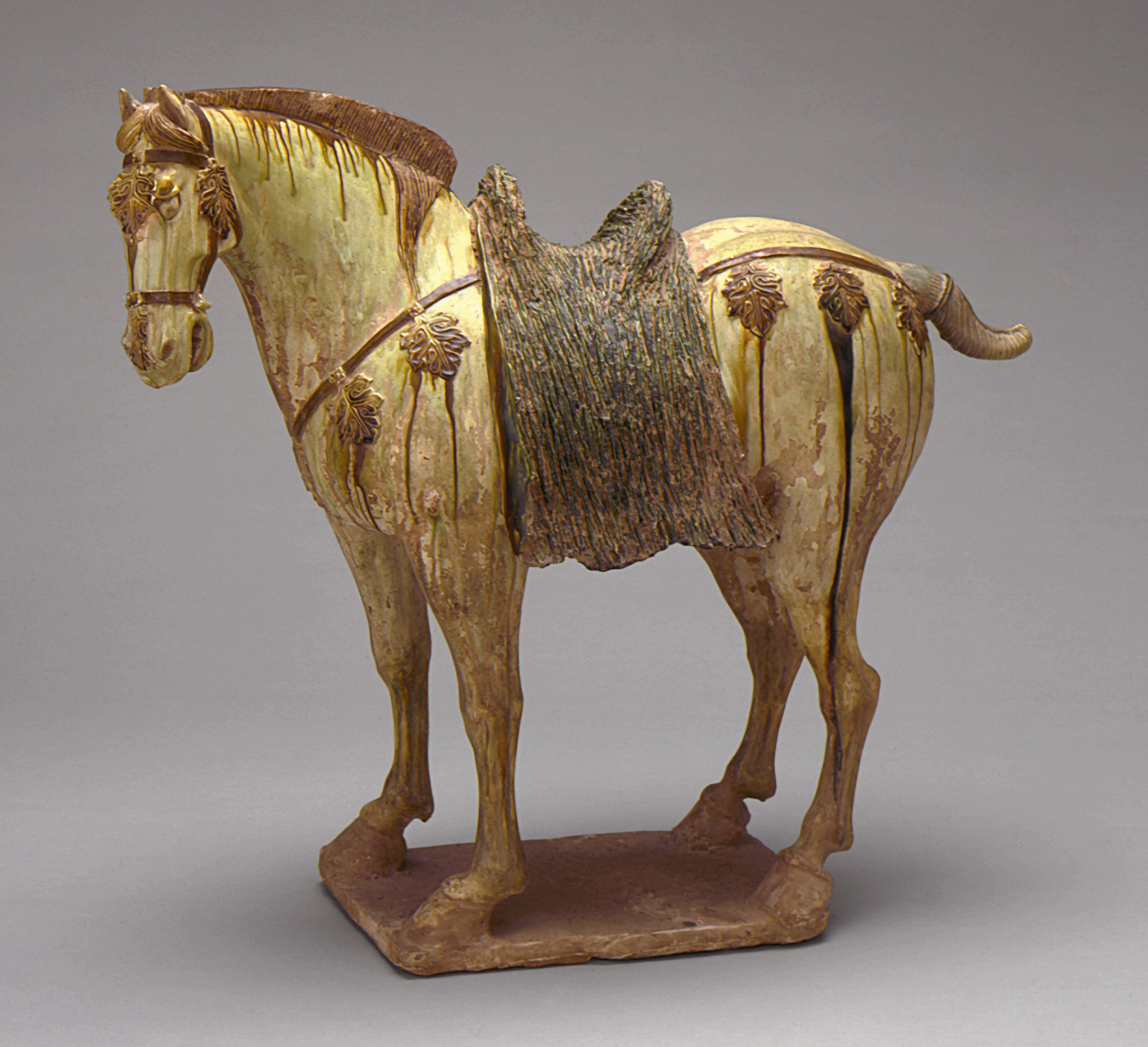 Chinese ceramic horse sculpture Tang dynasty