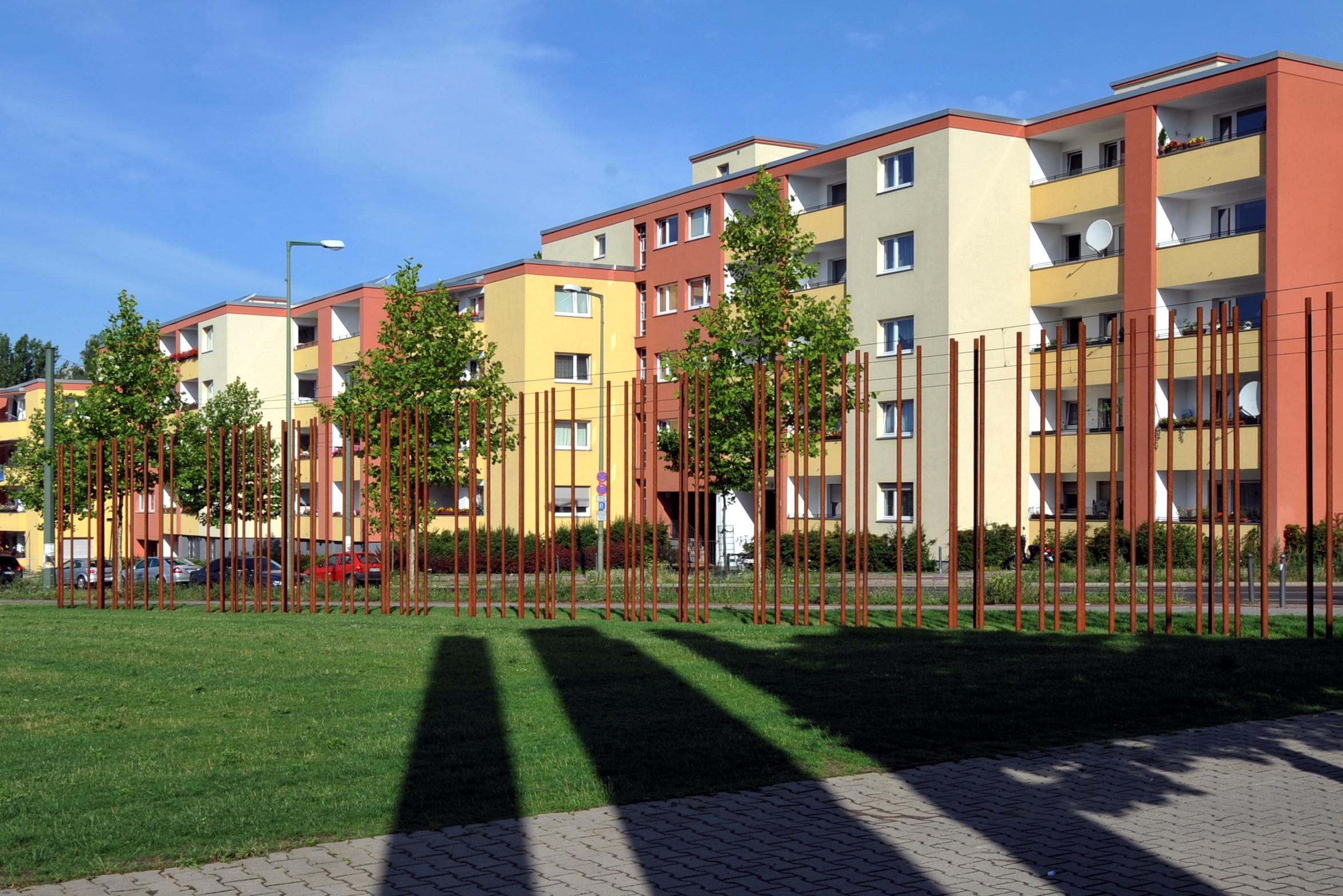 Datei:Gedenkstaette Berliner Mauer 03.jpg – Wikipedia