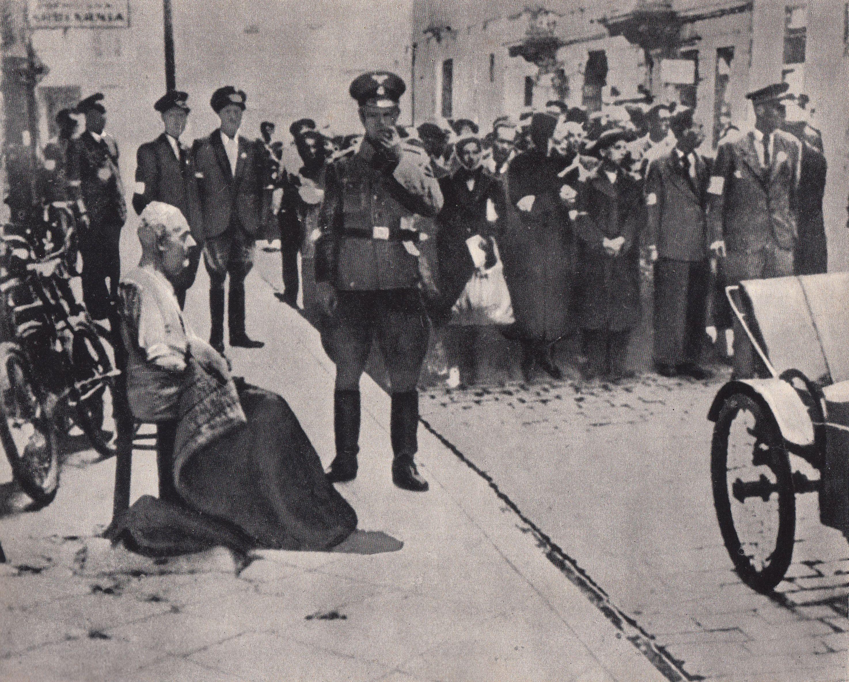 https://upload.wikimedia.org/wikipedia/commons/2/2f/Grossaktion_Warsaw_1942.jpg