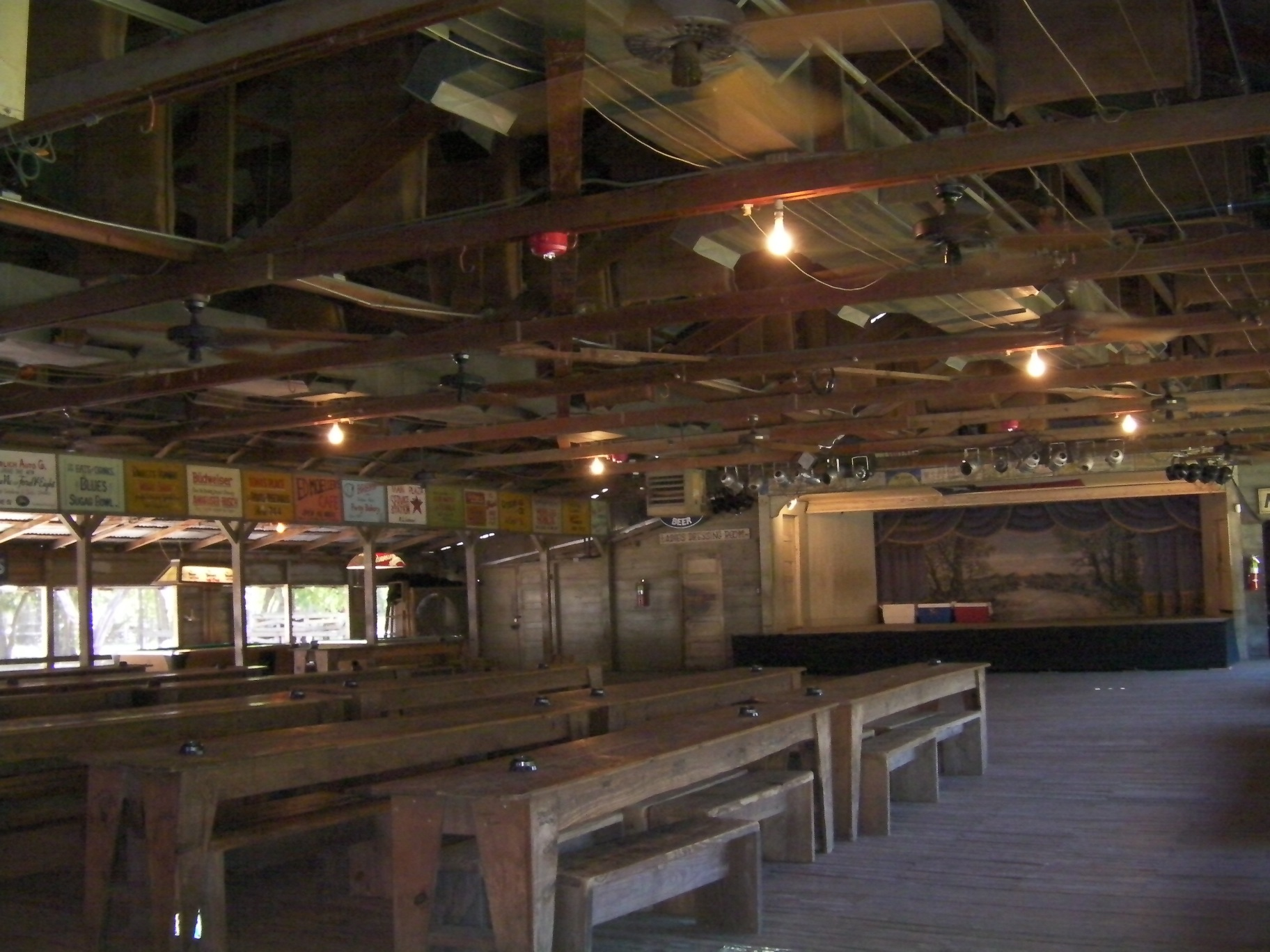 File:Gruene Hall, TX.JPG - Wikimedia Commons