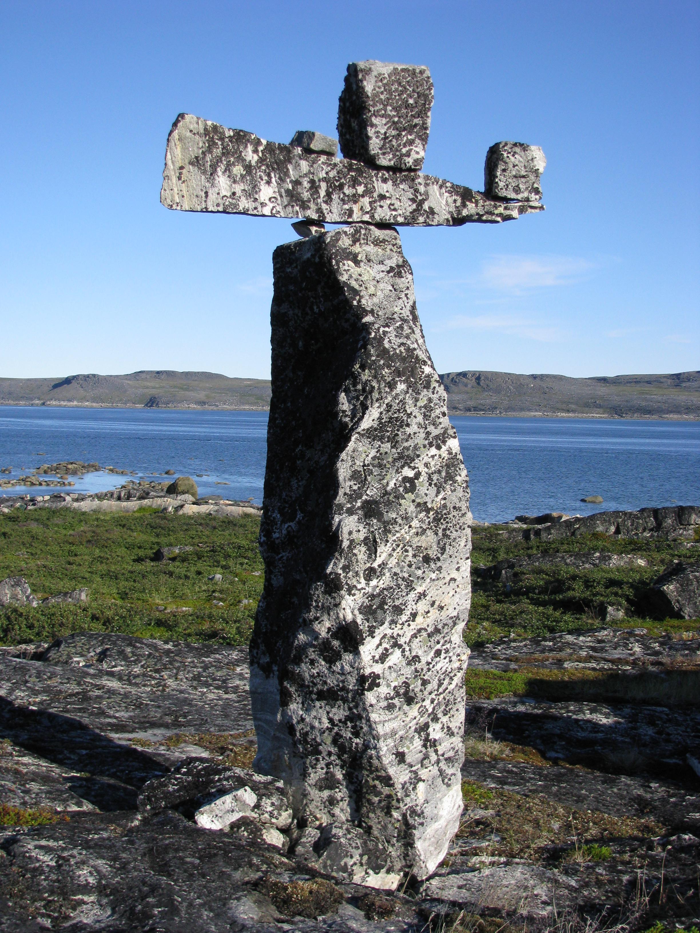 file hammer of thor monument jpg wikimedia commons