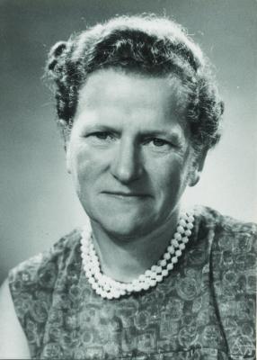 image of Hanna Neumann