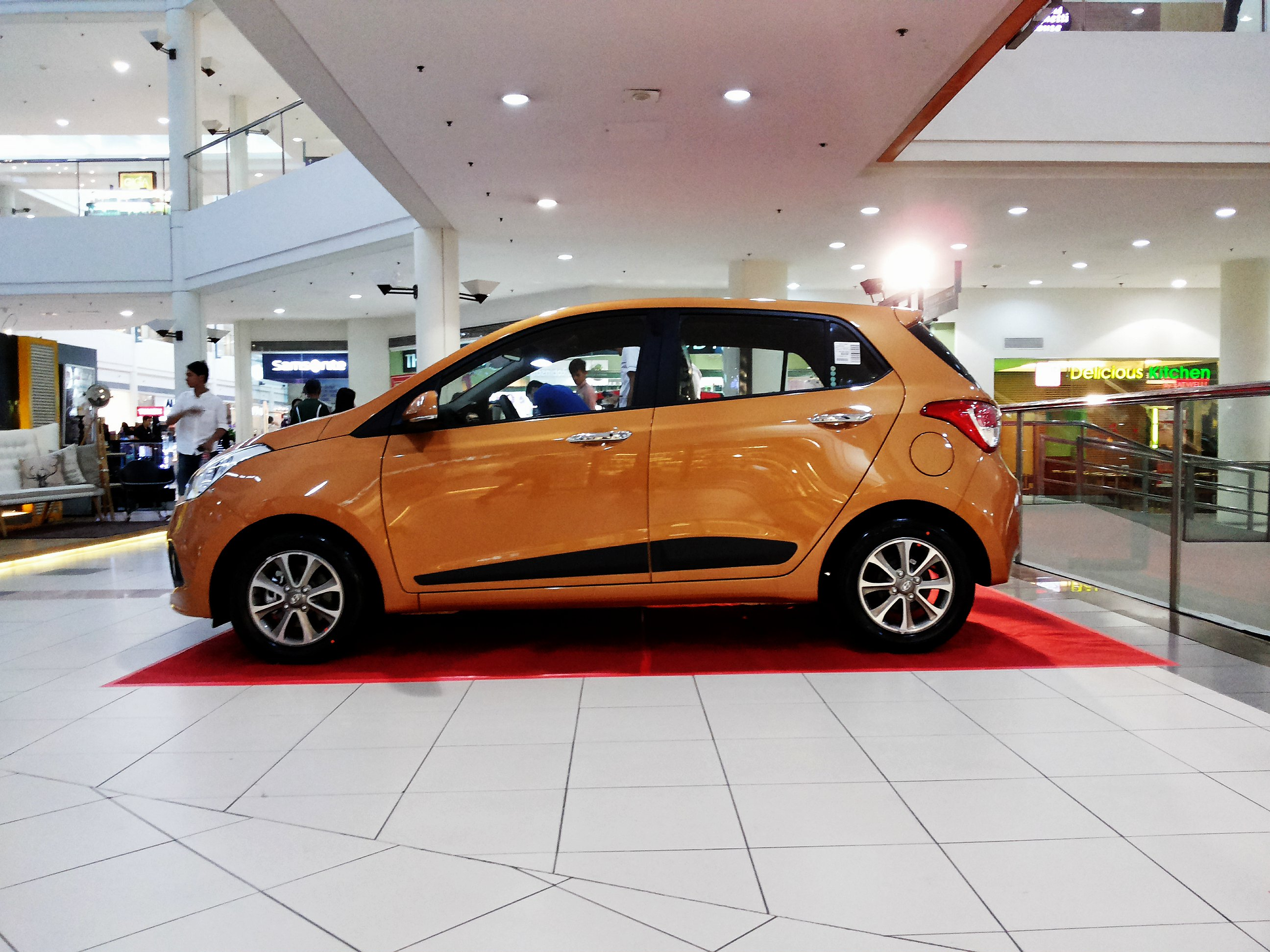 File Hyundai Grand I10 1 2 Side Jpg Wikimedia Commons
