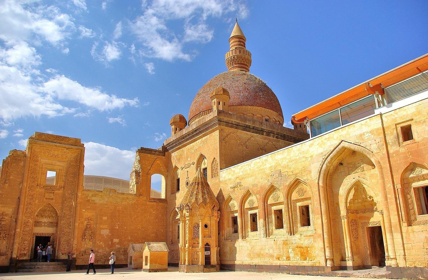 Ishak Pasha Palace - Wikipedia