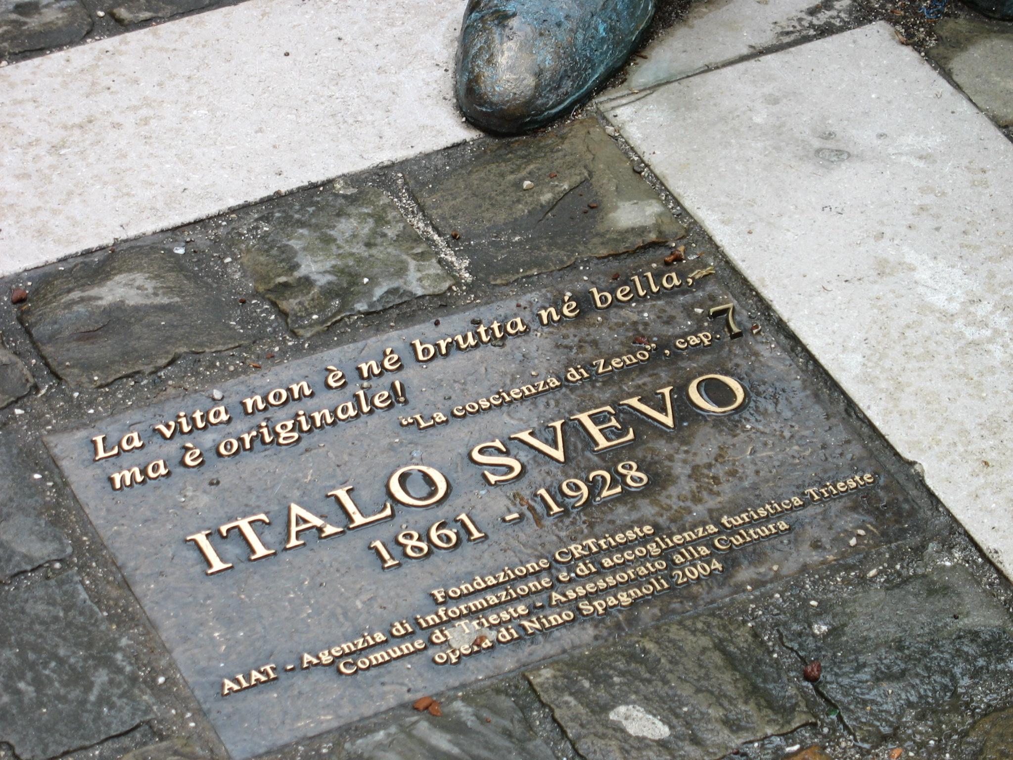 File:ItaloSvevo statue 10.jpg - Wikimedia Commons
