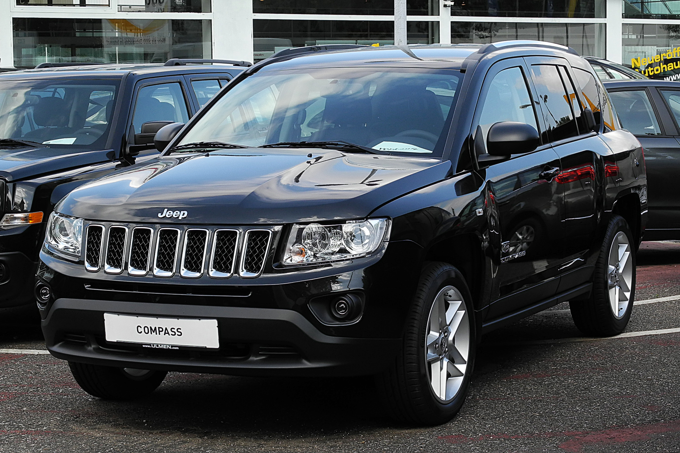 jeep compass 2 2 crd limited 70th anniversary edition facelift frontansicht 26 juni. Black Bedroom Furniture Sets. Home Design Ideas
