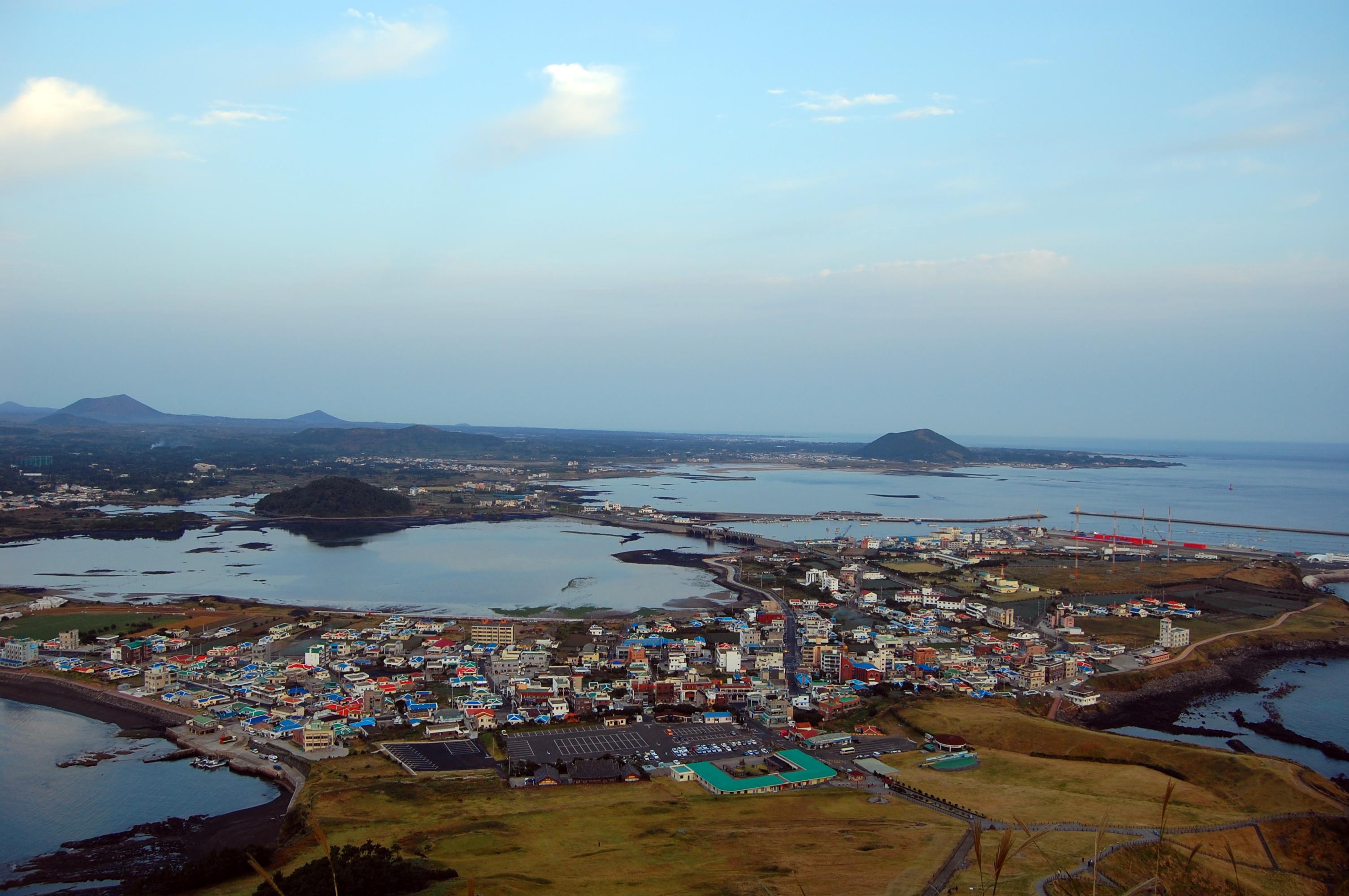 File:Jeju Island 제주도.jpg  Wikimedia Commons