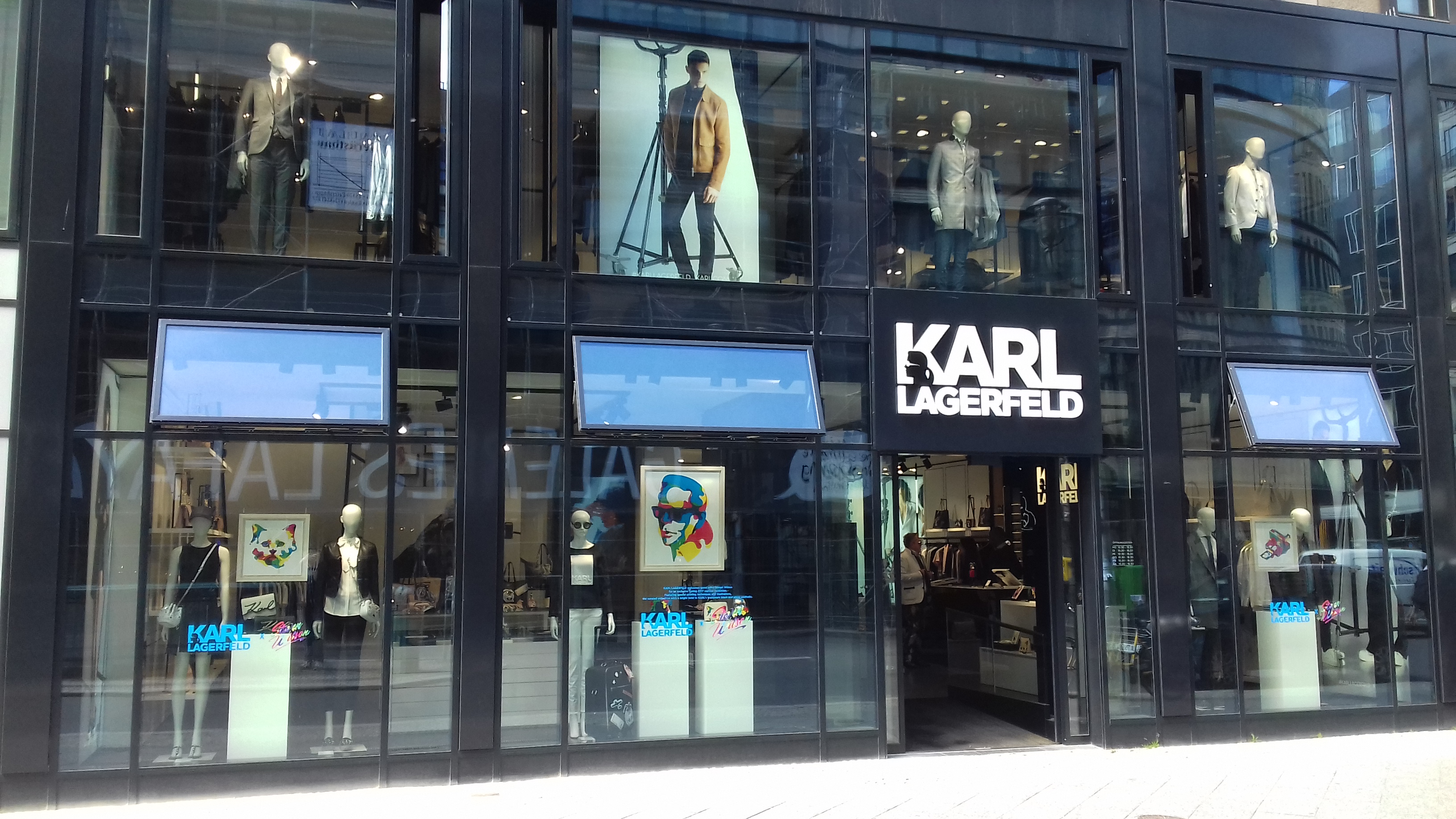 Karl lagerfeld steckbrief promi for Wohndesign 2 fermob store in berlin