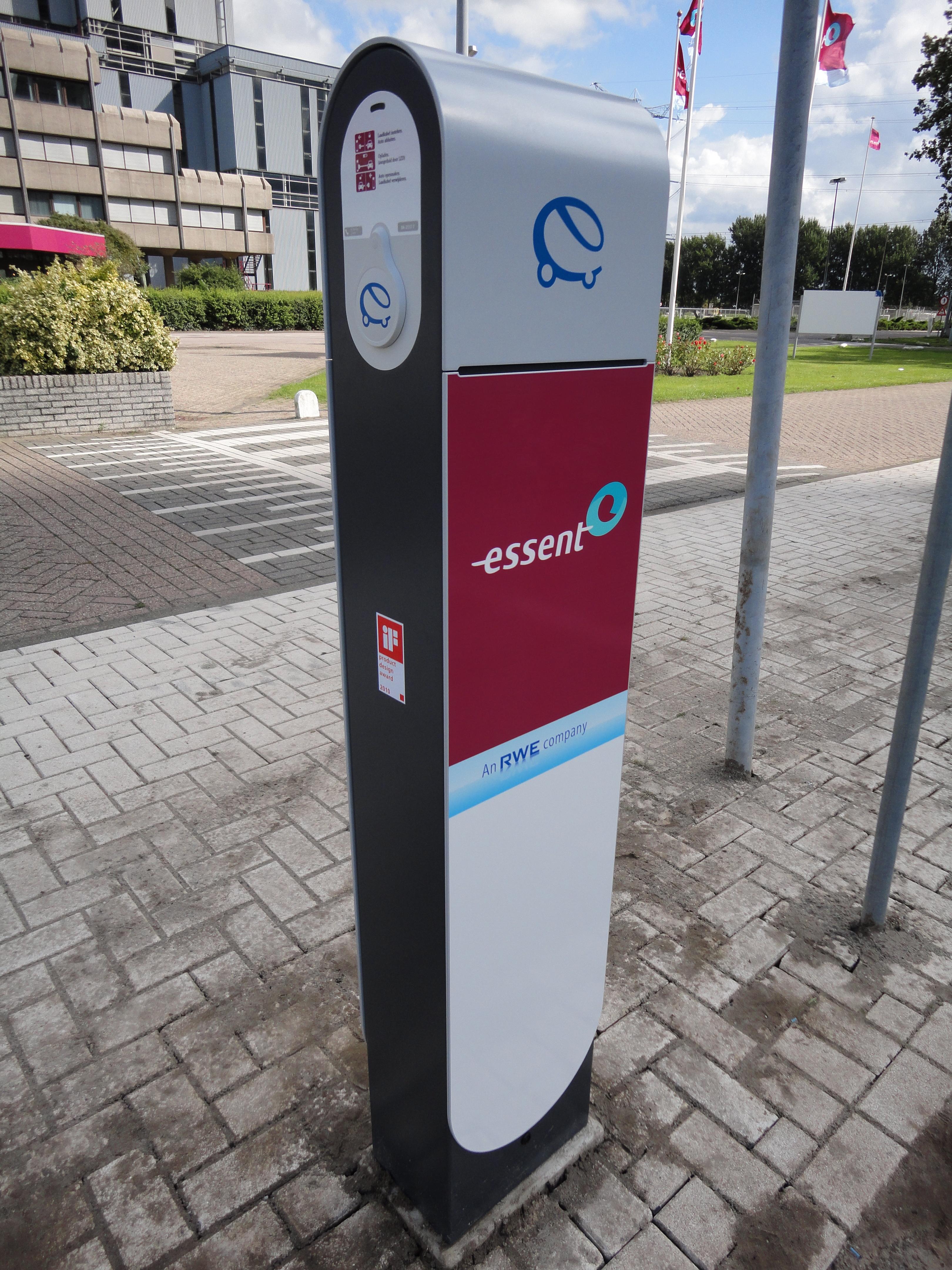 File:Laadpaal elektrische auto.jpg - Wikimedia Commons