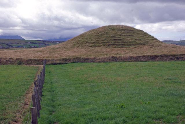 File:Maes Howe - geograph.org.uk - 1446554.jpg