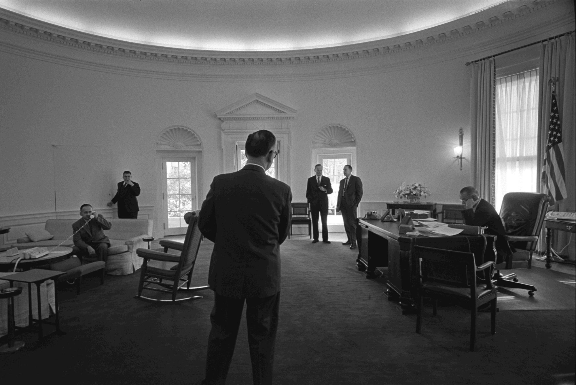 File Meeting On Panama Lbj Oval Office Jpg Wikimedia