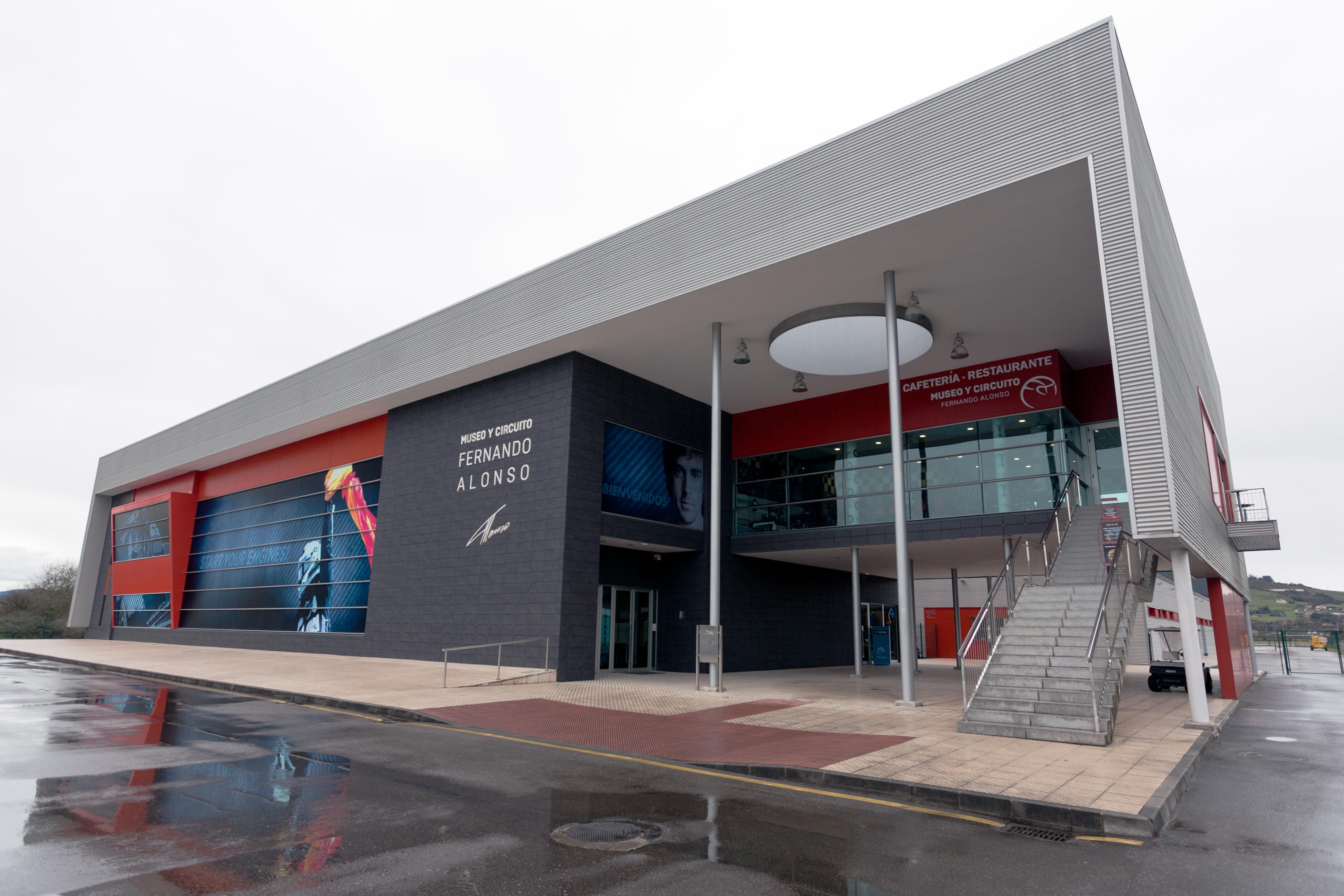 Museo Y Circuito Fernando Alonso : File museo fernando alonso entrance march g wikimedia commons