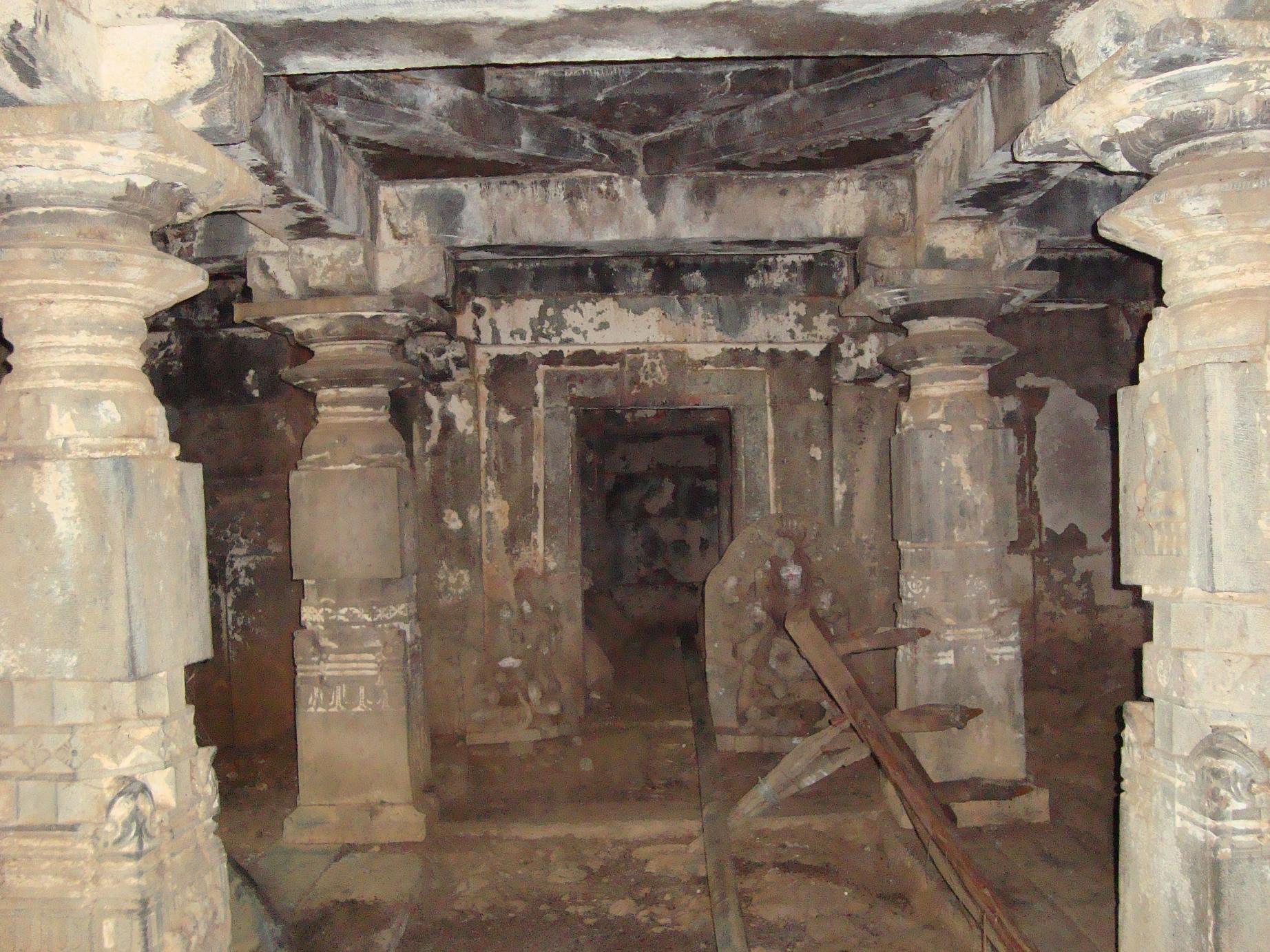 Narasimha temple Narasapura near Chaudayyadanapura, en route to Guttala, Haveri District, North Karnataka