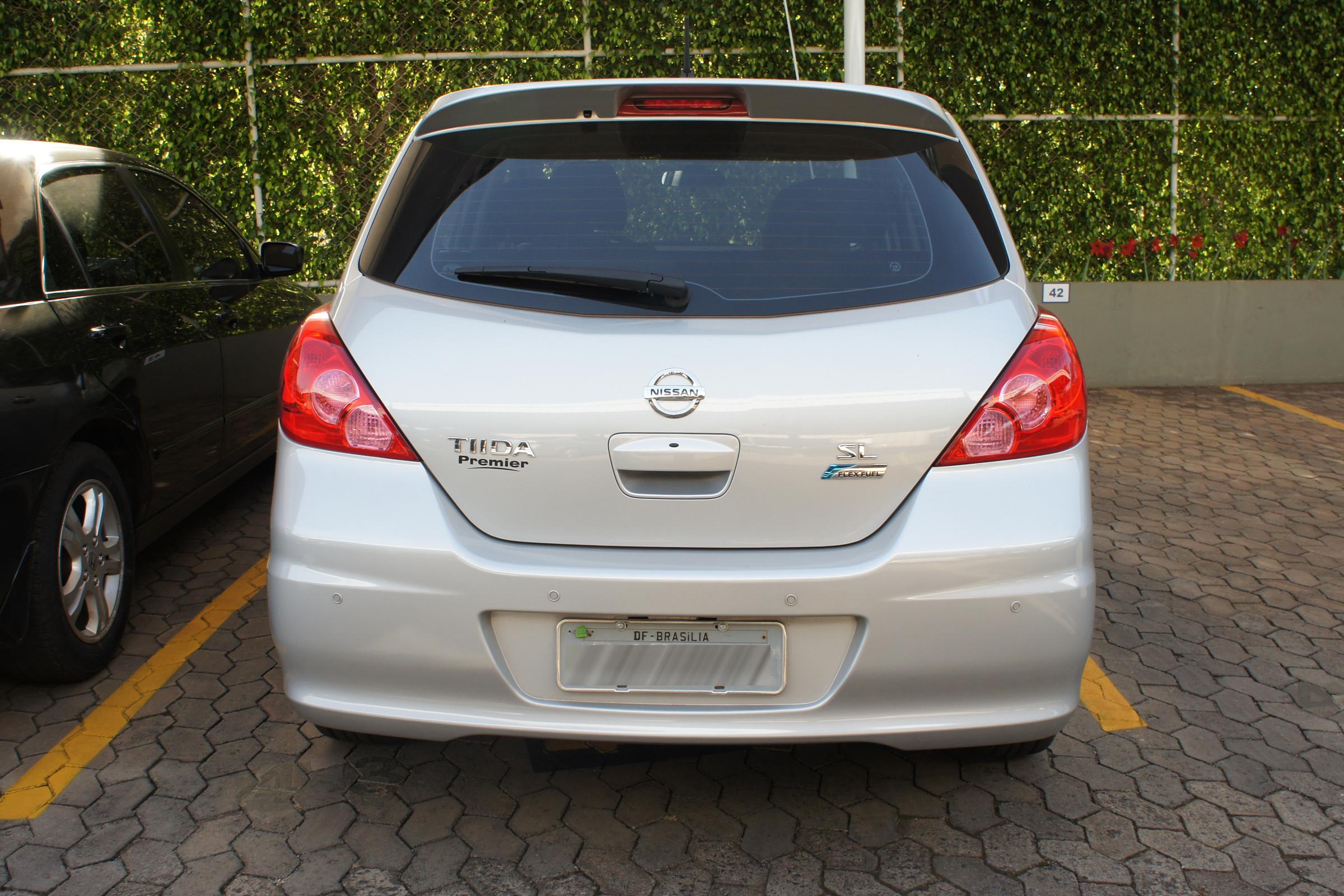 File Nissan Tida Flex Fuel 09 2012 Bsb 4407 Jpg