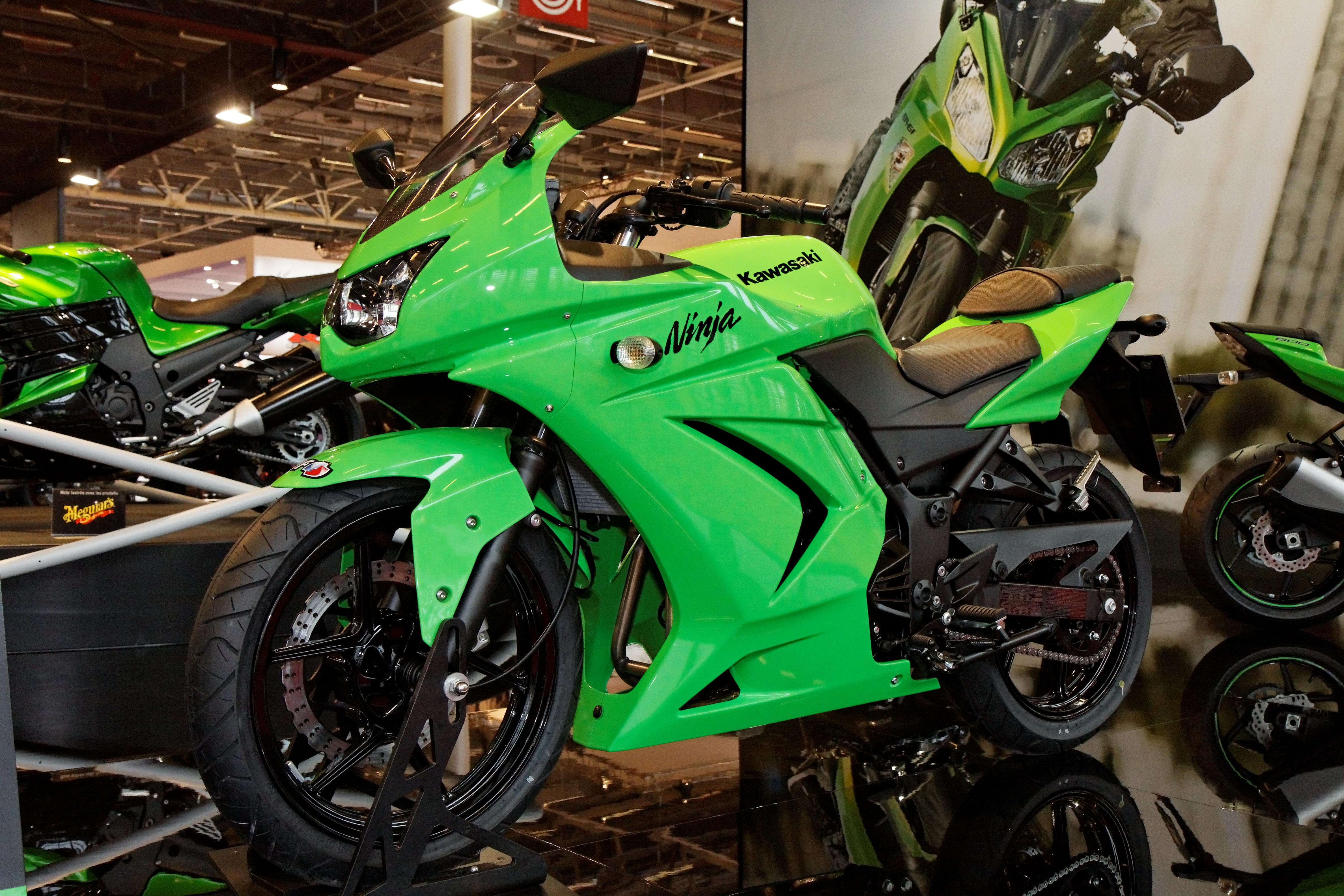 File:Paris - Salon de la moto 2011 - Kawasaki - Ninja 250 R - 001 ...