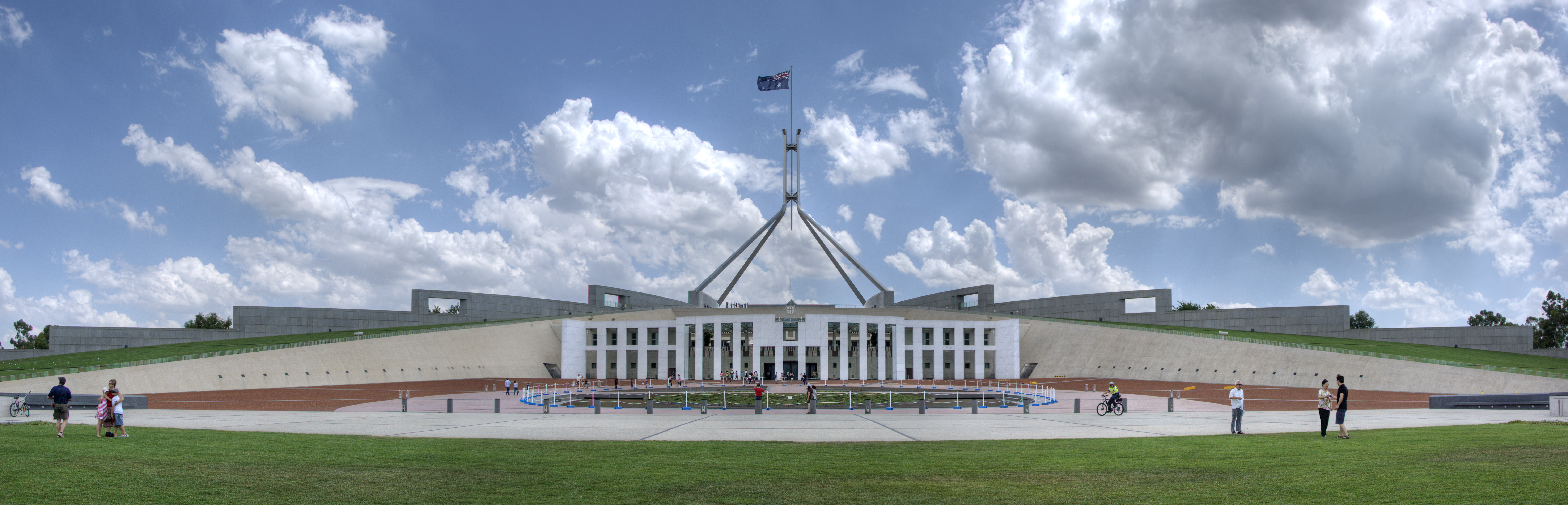 File:Parliament House Canberra.jpg - Wikimedia Commons
