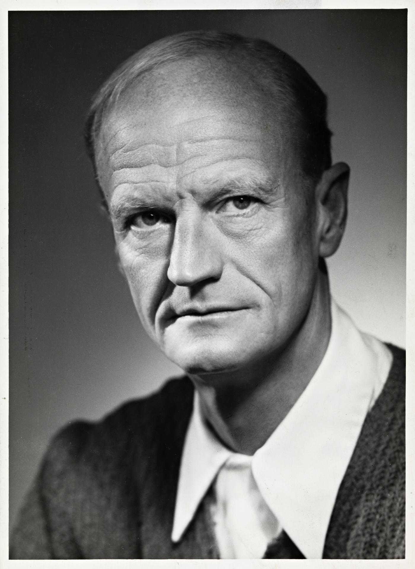 Johan Borgen httpsuploadwikimediaorgwikipediacommons22