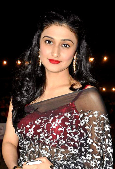 Suhana Star Plus Wallpaper Ragini Khanna at Umang Police