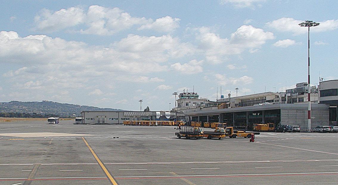 Rom 2007 -Ciampino Airport- by-RaBoe 001.jpg