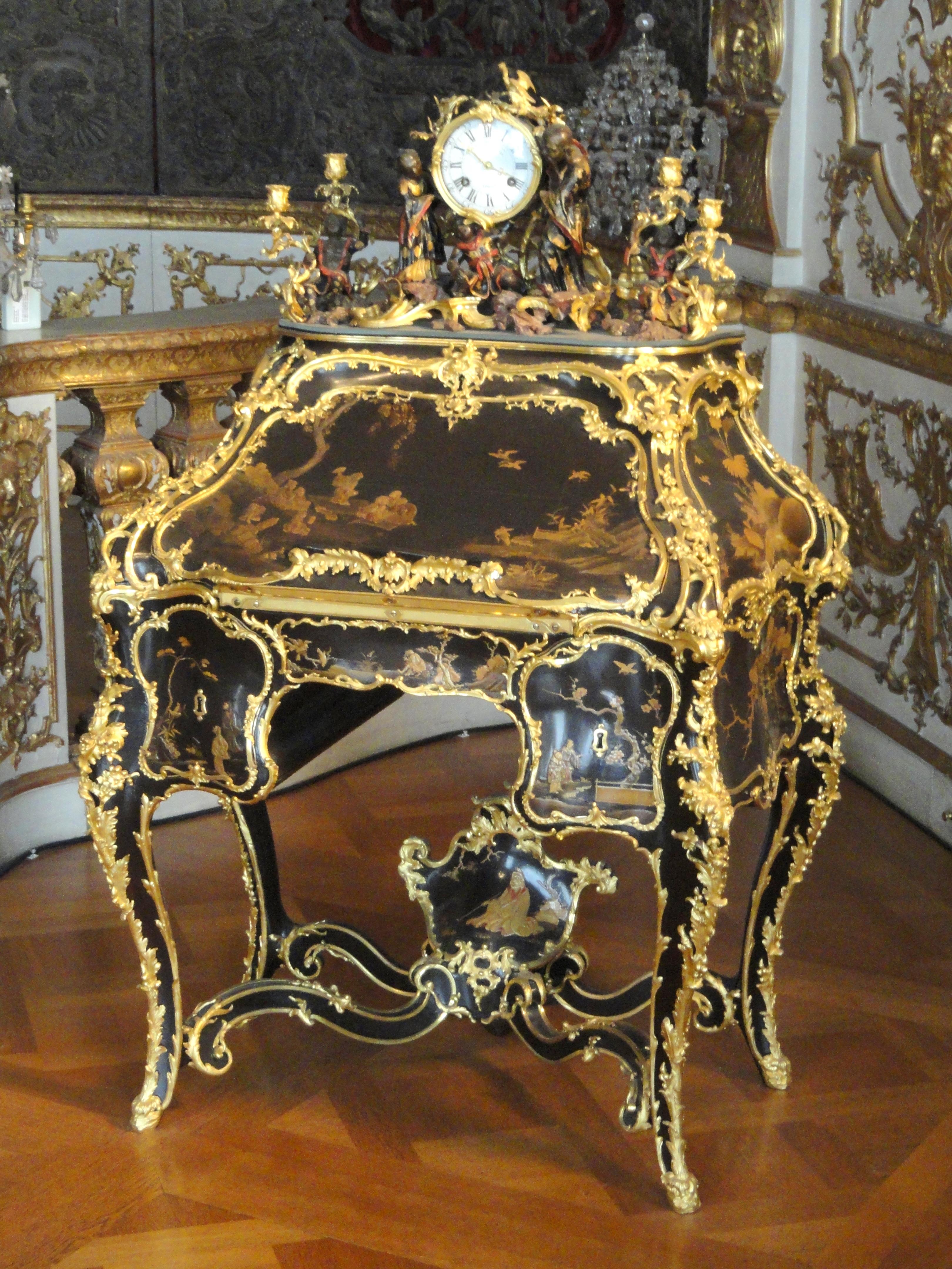 File:Secretaire   Bernard II Van Risamburgh   Münchner Residenz    DSC07490.JPG