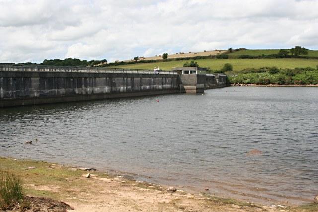 Siblyback Lake Dam - geograph.org.uk - 1393279