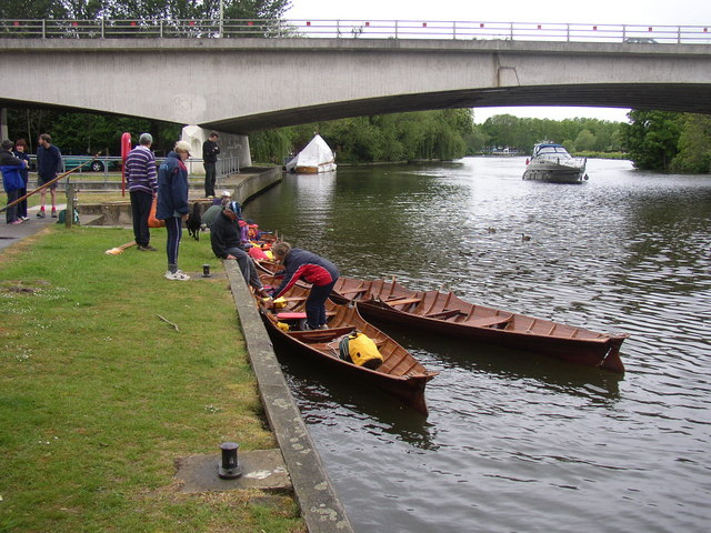 Skiffs at Elizabeth Bridge, Windsor - geograph.org.uk - 686886