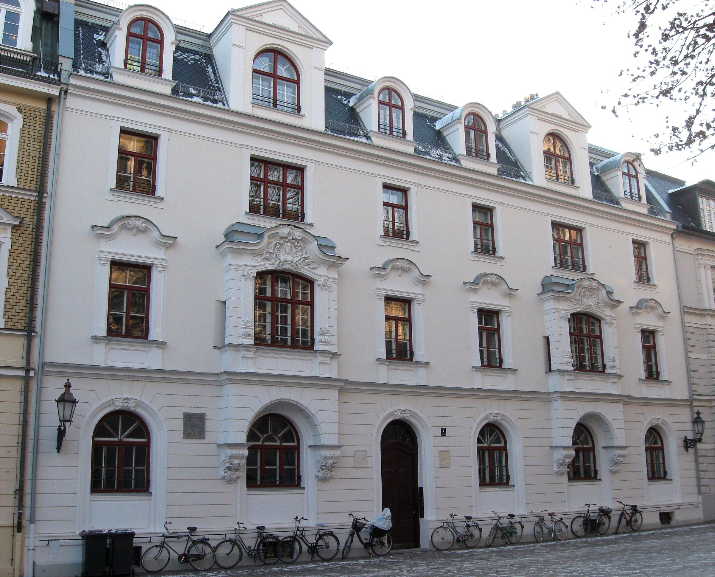 St Platz München file st platz 2 muenchen 1 jpg wikimedia commons