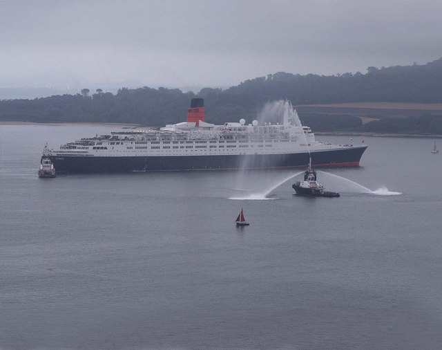 File:The QE2 - geograph.org.uk - 1002292.jpg