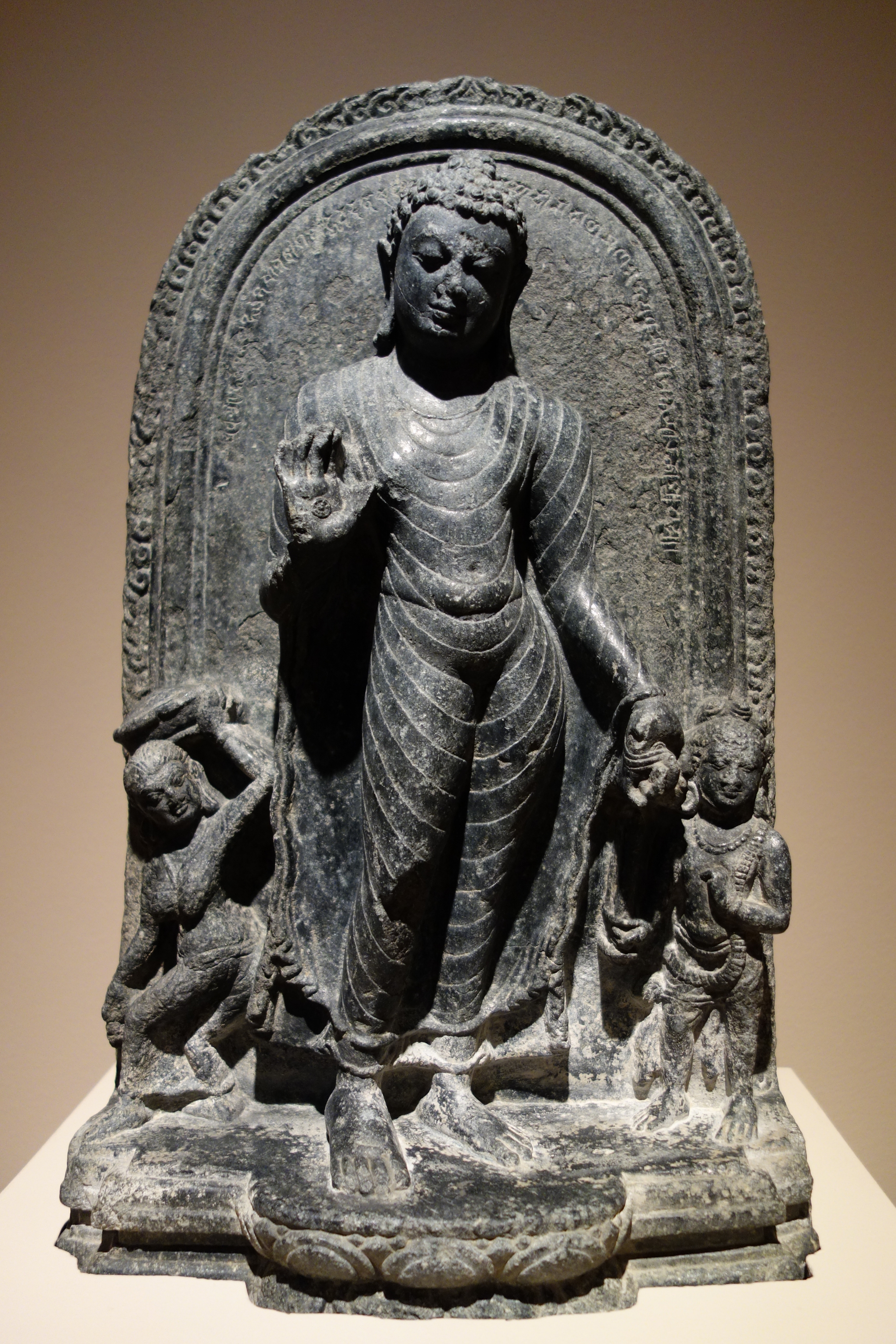 a description of the two periods of buddhist art in india It was the period which offered buddhism favourable opportunities to spread far  and  from the beginning the buddhist art in india and china combined two   this can be well compared with the descriptions of krishna given by arjuna in the .