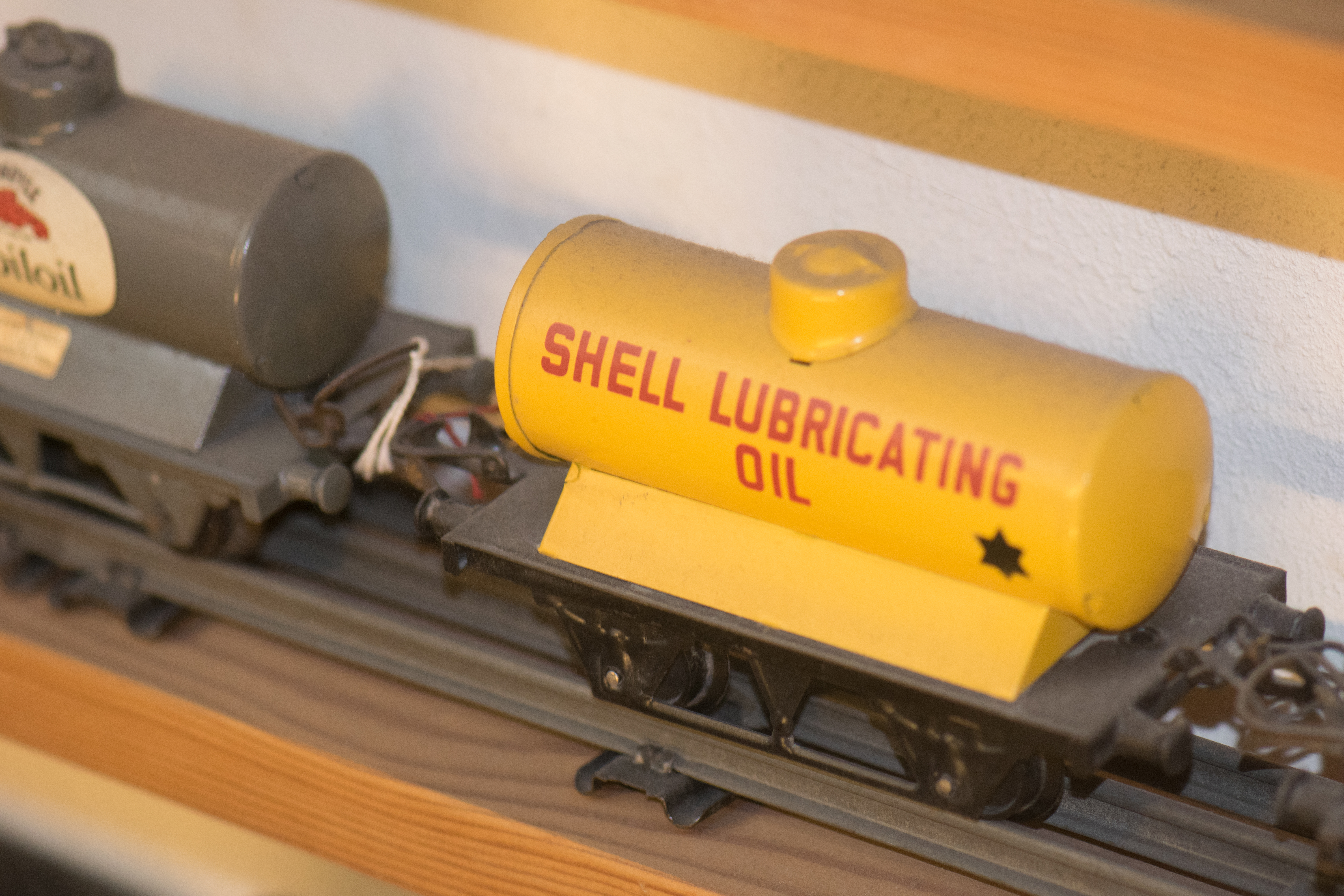 File Toy Model Train Shell Rail Car 29481376366 Jpg Wikimedia