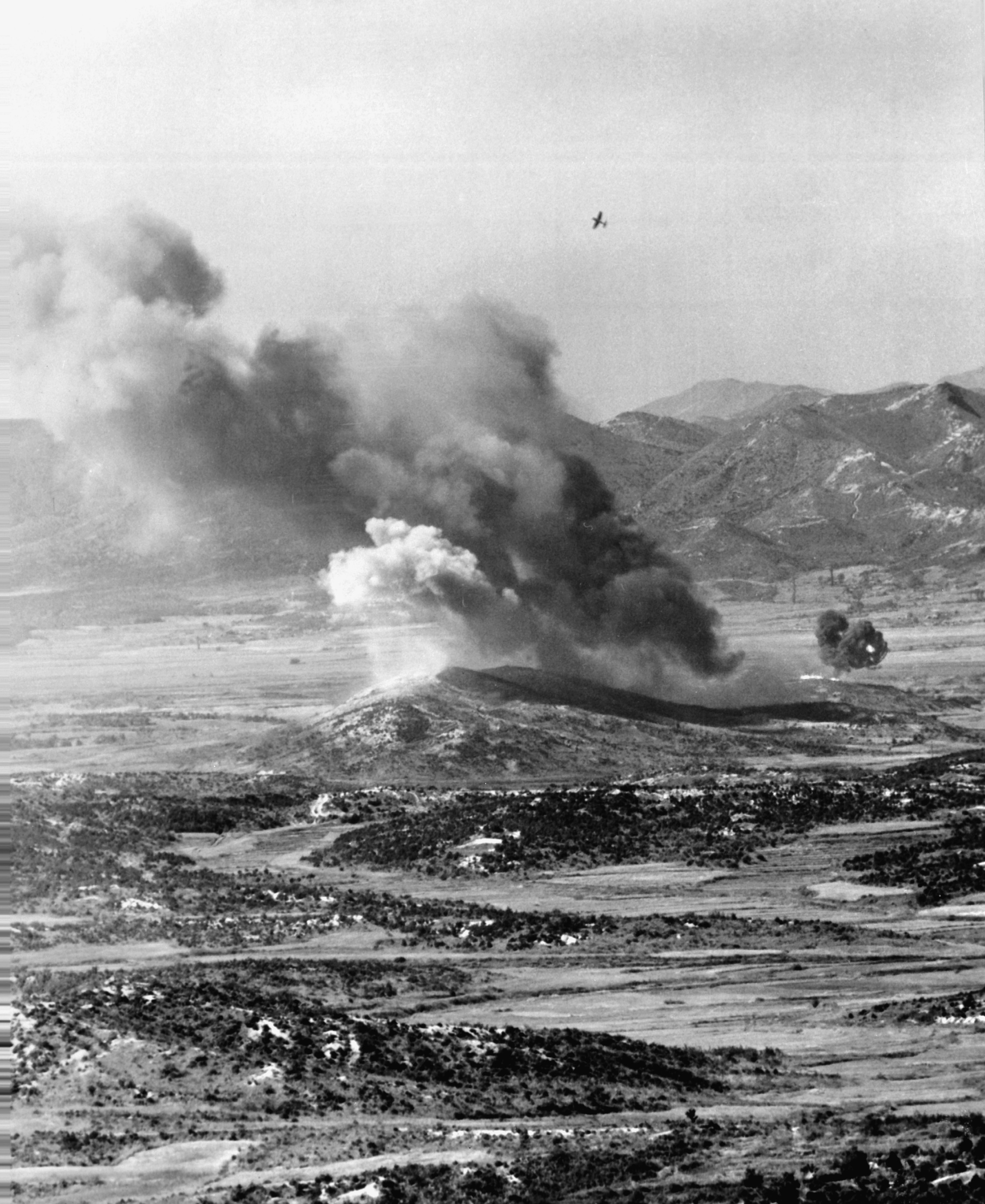 FileUSMC F4U Attacking Target Korea 1952jpeg