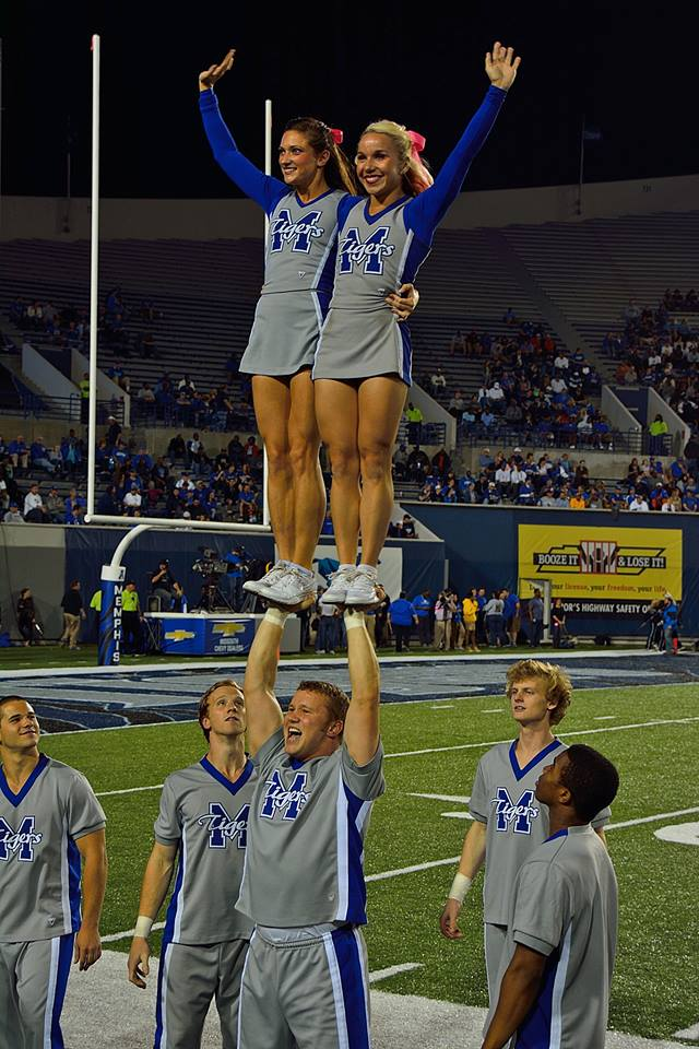 Pretty Girl Cheer Stunt