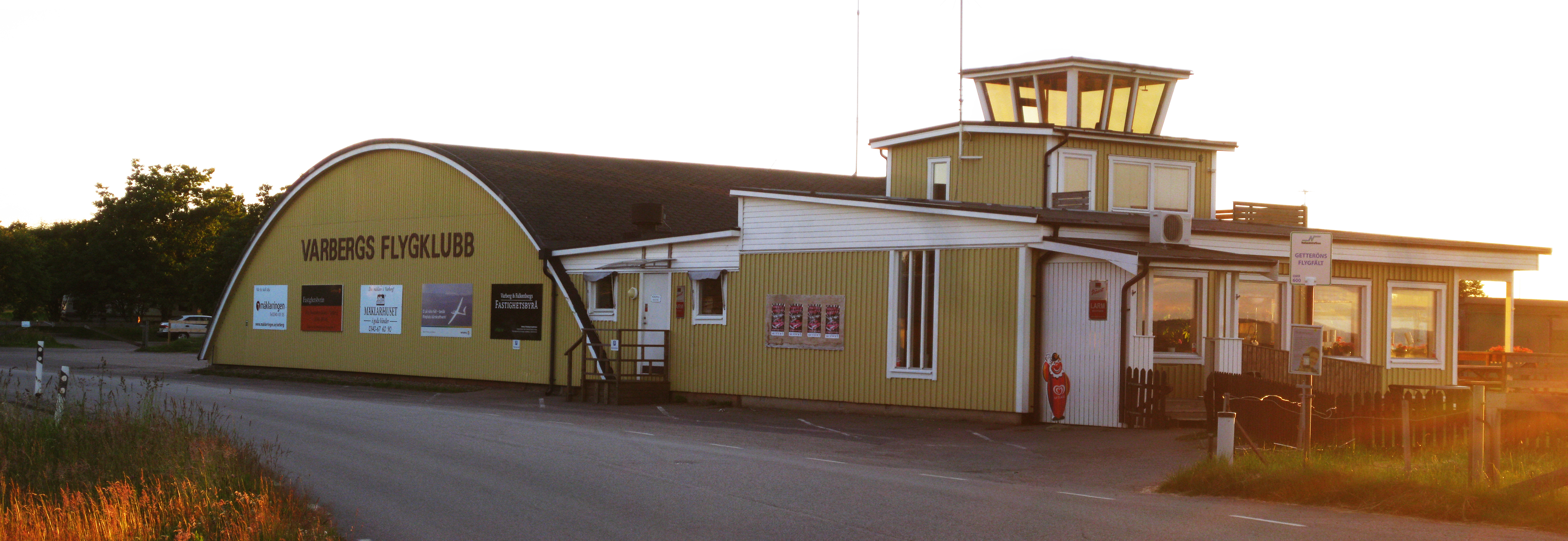 File Varbergs Flygplats 01 Jpg Wikimedia Commons